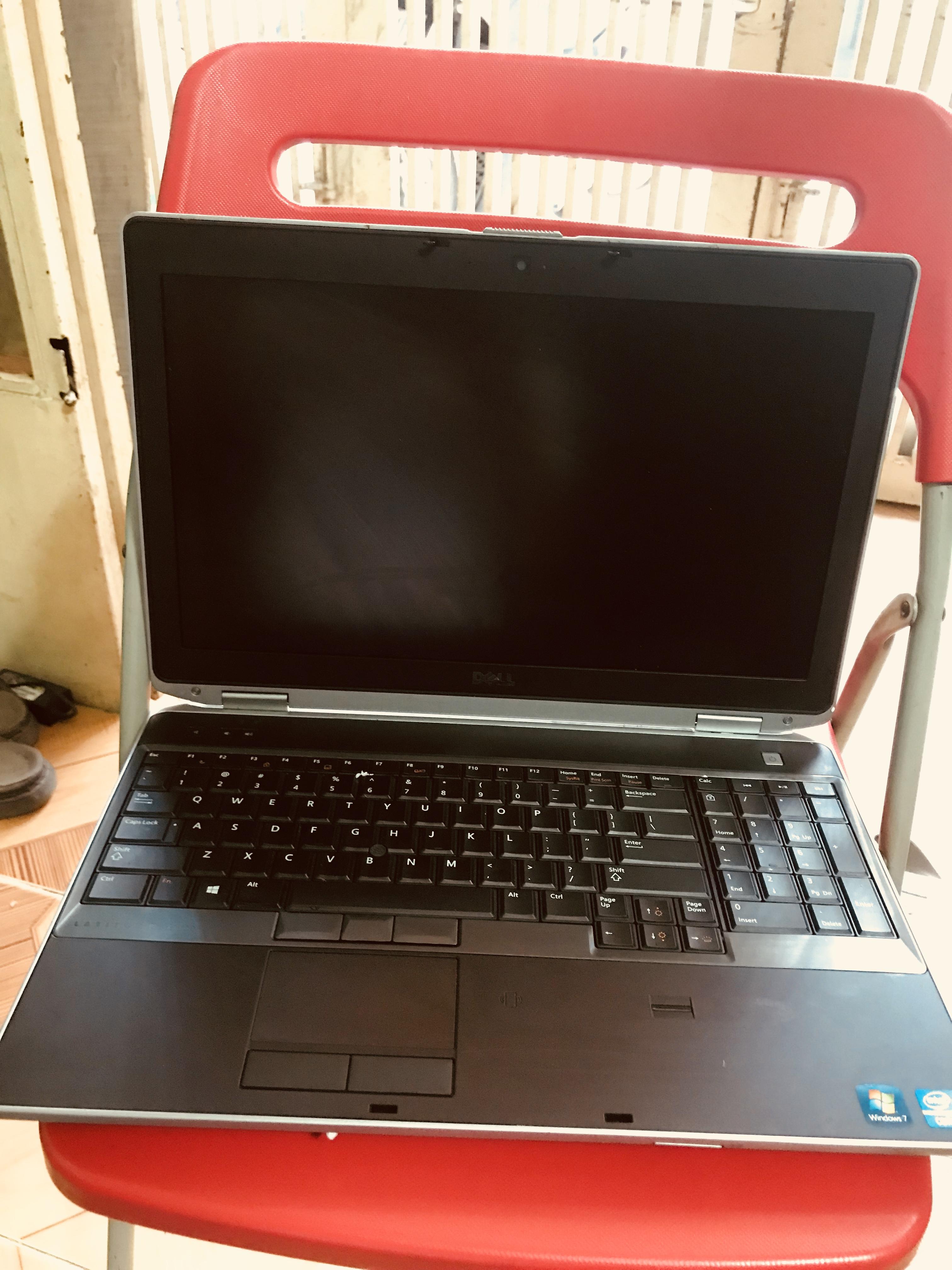 Laptop Cũ Dell E6520 I5 Ram 4GB HDD 320gb VGA rời chuyên game đồ họa