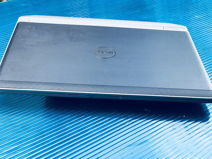 Laptop DELL E6220 Core i5 Ram 4GB HDD 320GB 12 inch mini nhỏ gọn